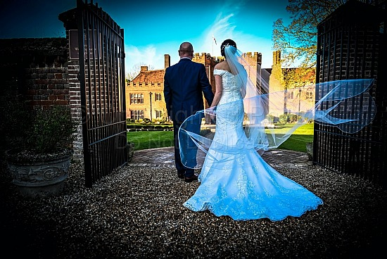 Claire & Lee at Leez Priory